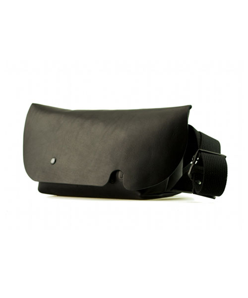 MESSENGER BAG (XS) BLACK