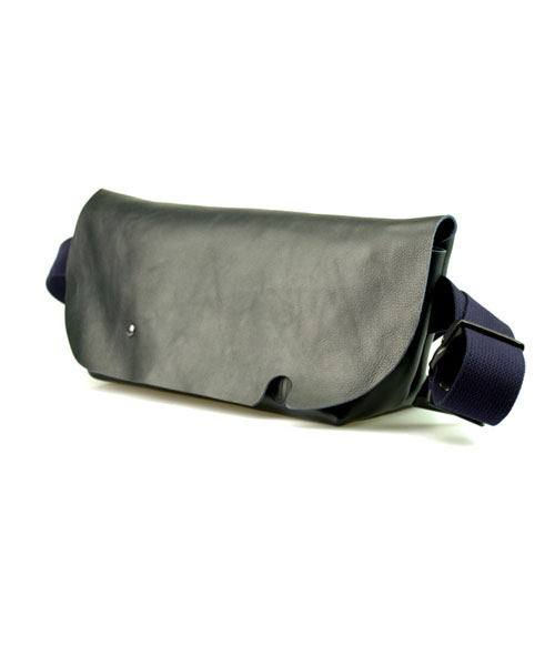 MESSENGER BAG(S) NAVY
